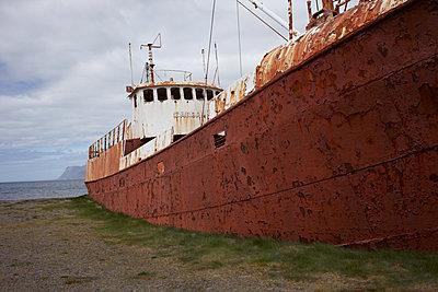 Stillgelegtes Fischerboot - p1314m1189959 von Dominik Reipka