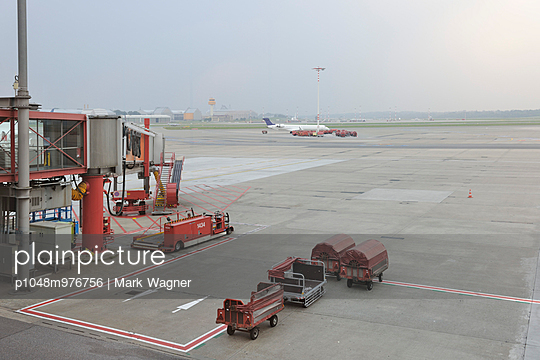 Airport vehicle - p1048m976756 by Mark Wagner