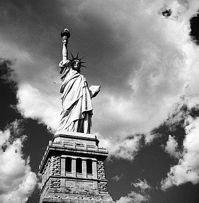 Freiheitsstatue in New York - p627m672315 by Kirsten Nijhof
