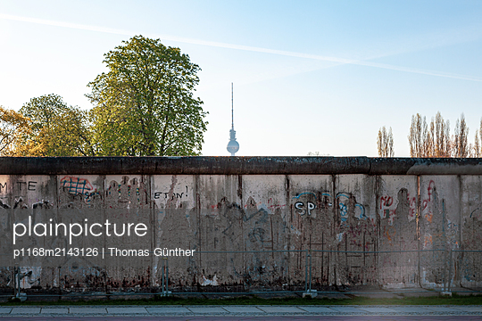 Berlin Wall with TV Tower - p1168m2143126 by Thomas Günther