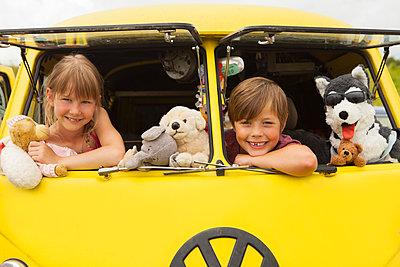 Ferien im VW-Bus - p045m1462262 von Jasmin Sander