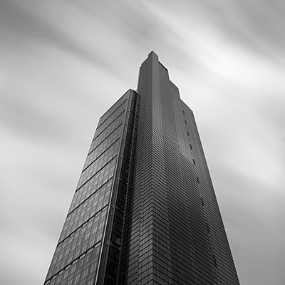Low angle view of skyscraper - p429m756374 by Alex Holland