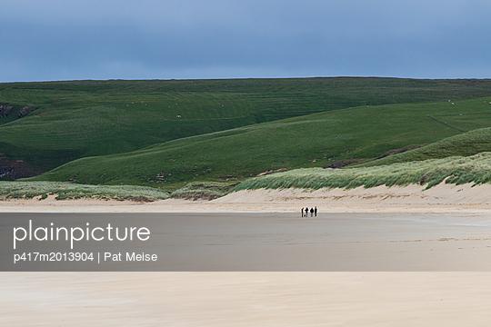 Tolsta Beach - p417m2013904 von Pat Meise