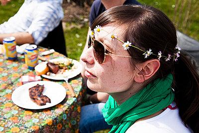 Gartenparty - p904m793923 von Stefanie Päffgen