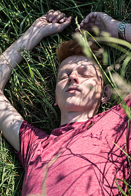 Sleeping in the grass - p310m2021322 by Astrid Doerenbruch