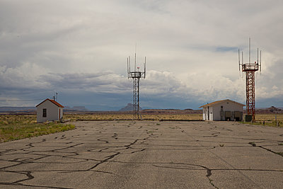 Airfield - p1291m1116106 by Marcus Bastel