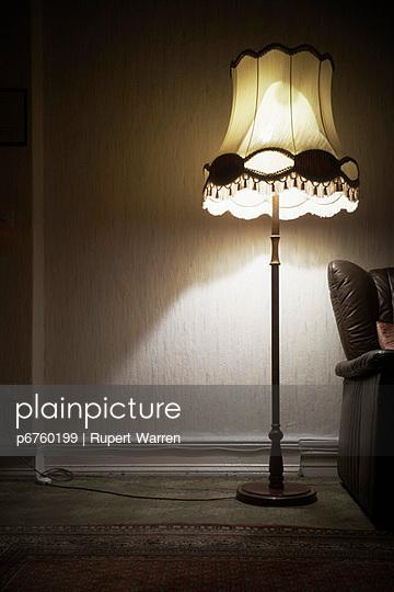 Stehlampe - p6760199 von Rupert Warren