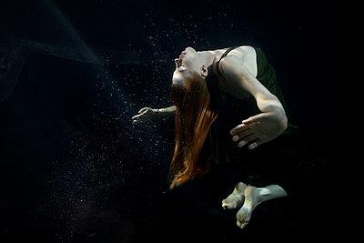 underwater ballet - p1554m2158989 by Tina Gutierrez
