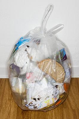 Garbage bag - p358m903650 by Frank Muckenheim