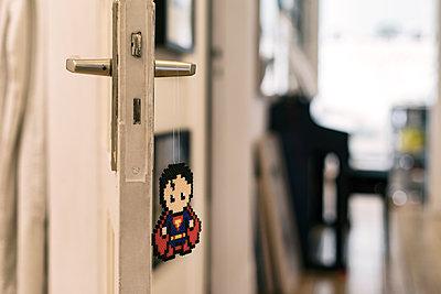 Homemade super heroes - p788m1540360 by Lisa Krechting