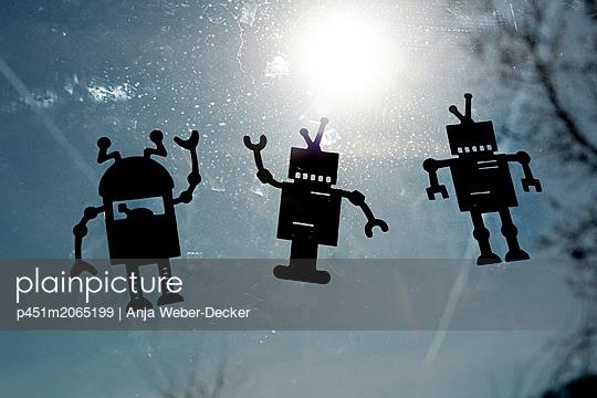 p451m2065199 by Anja Weber-Decker