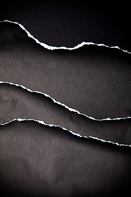 Torn Black Paper - p1248m2200424 by miguel sobreira