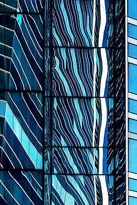 Glasfassade - p1594m2159044 von Françoise Chadelas