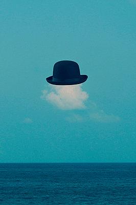 Wolke mit Hut - p7940591 von Mohamad Itani