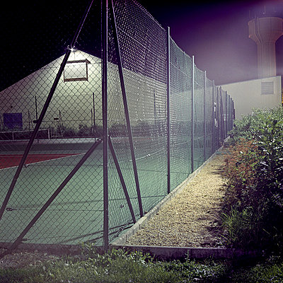 Tennis court at night - p9110543 by Benjamin Roulet