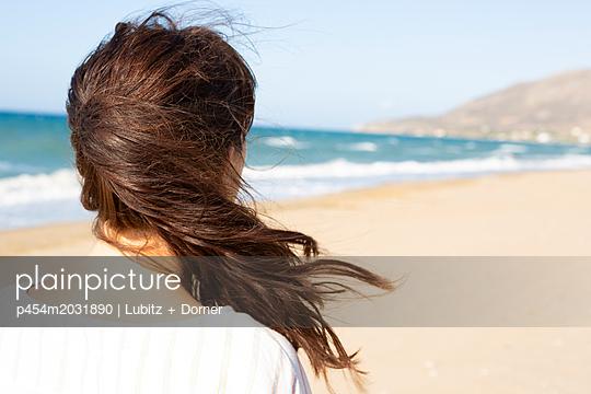 Frischer Wind - p454m2031890 von Lubitz + Dorner