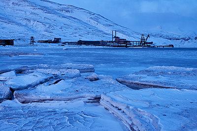 ICE - p1203m1145746 by Bernd Schumacher