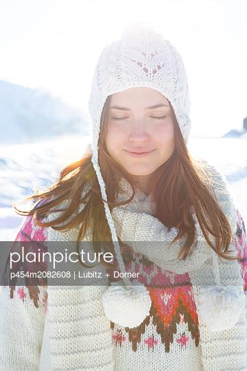 Fresh and sunny - p454m2082608 by Lubitz + Dorner