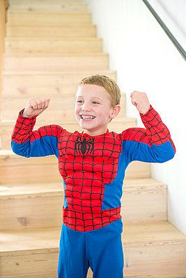 verkleideter Junge - p1156m1591786 von miep