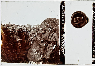 World war one, soldiers - p265m1487141 by Oote Boe