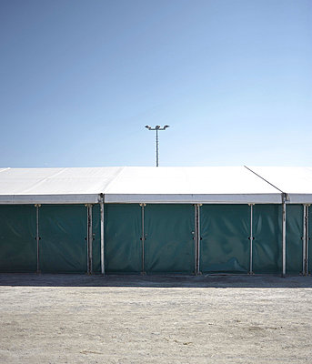Tent - p9111522 by Gaëtan Rossier