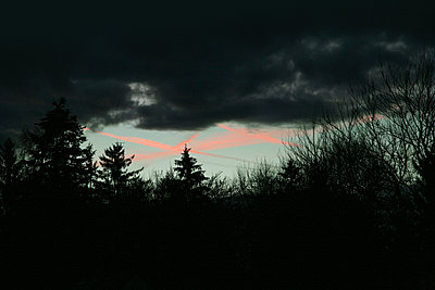 Dunkelheit - p1038m1088356 von BlueHouseProject