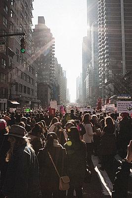 Demonstration New York - p1345m1225505 von Alexandra Kern