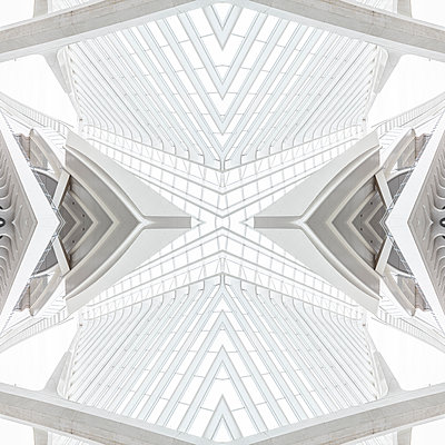 Abstract kaleidoscope pattern Liège-Guillemins station in Liège - p401m2209297 by Frank Baquet