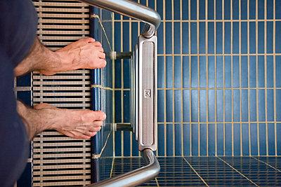 Angst vor dem Schwimmen - p7980021 von Florian Loebermann