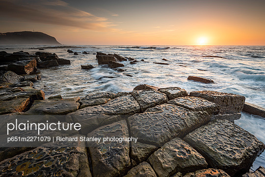 Tessellations in rocks at Forresters Beach, Central Coast, New South Wales, Australia - p651m2271079 by Richard Stanley photography