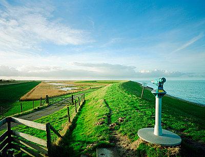 Landscape in Zeeland - p1132m1016958 by Mischa Keijser