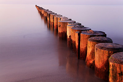 Abendstimmung am Meer I - p179m741585 von Roland Schneider