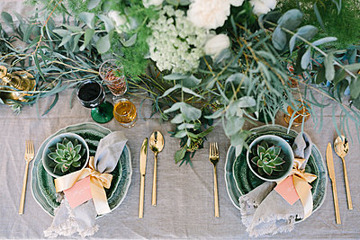 Place setting - p312m2049938 by Linda-Pauline Arousell