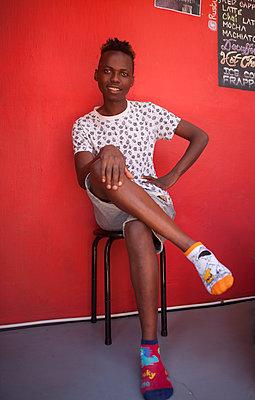 Zwischendurch ausruhen mit verschiedenen Socken - p045m1444509 von Jasmin Sander