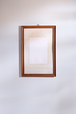 Empty picture frame - p1149m2278398 by Yvonne Röder