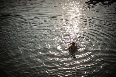 Varanasi - p1007m1060074 by Tilby Vattard