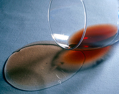 Fallen glass - p3224974 by matti kolho