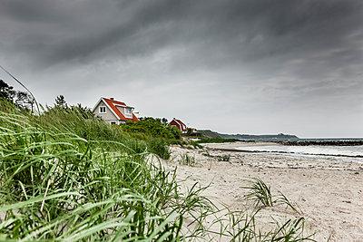Strandhaus in Schweden - p248m1462779 von BY