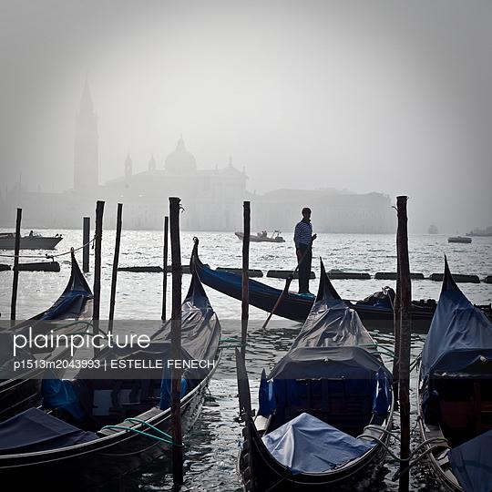Gondolas parking in Venice - p1513m2043993 by ESTELLE FENECH