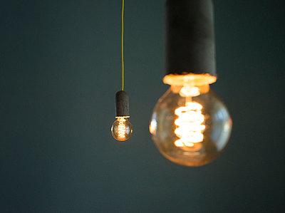 Glühbirnen - p608m1006808 von Jens Nieth