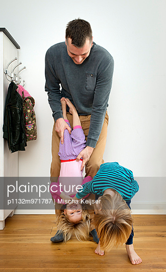Familienbande - p1132m971787 von Mischa Keijser