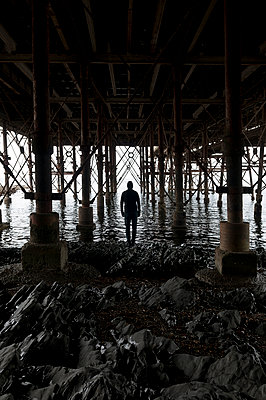 Unter der Seebrücke - p470m1465382 von Ingrid Michel