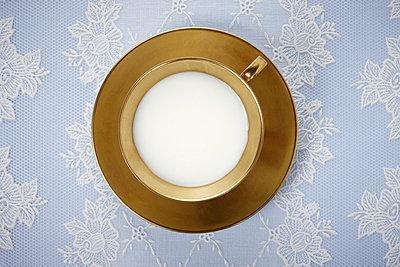Tasse mit Milch - p4150462 von Tanja Luther
