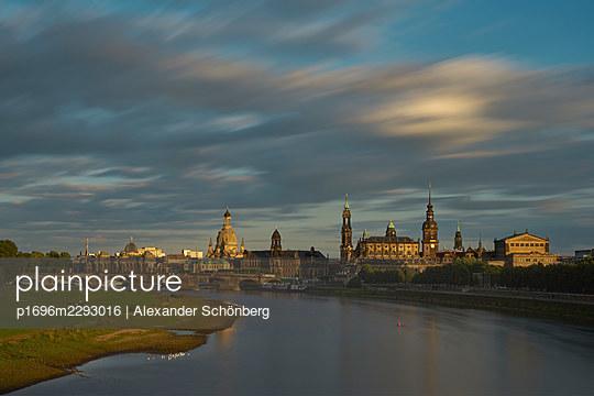 Dresden - p1696m2293016 by Alexander Schönberg