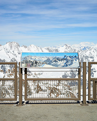 Mont Blanc - p1124m1150023 by Willing-Holtz