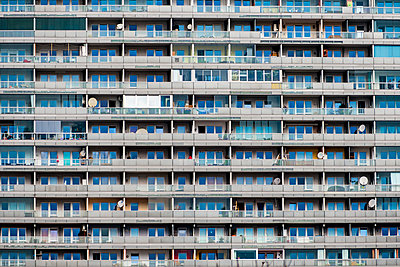 Austria, Vienna, detail of an apartment building - p300m1019193f by EJW