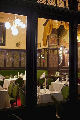 Restaurant - p606m741167 von Iris Friedrich