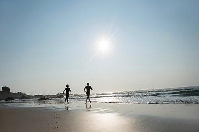 Am Strand - p949m951744 von Frauke Schumann