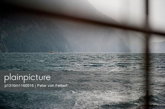 Blick auf Königssee, Berchtesgadener Land, Oberbayern, Bayern, Deutschland - p1316m1160516 von Peter von Felbert