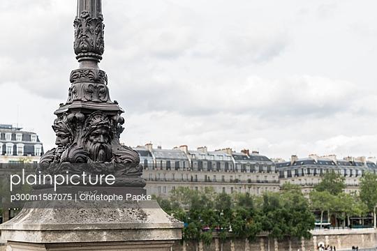 France, Paris, part of Pont au Change - p300m1587075 von Christophe Papke